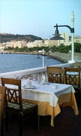 www.restaurantum.com_-_Restaurante_El_Refectorio_Ceuta_-_Terrza_con_vistas_al_mar.jpg