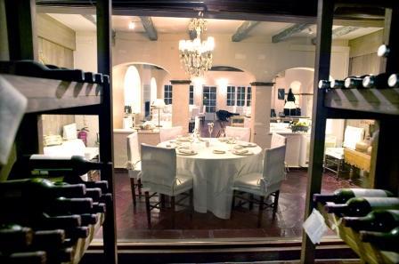 www.restaurantum.com_-_Restaurante_Els_Tinars_-_El_salon_desde_la_bodega.jpg
