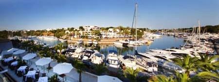 www.restaurantum.com_-_Restaurante_Gadus_-_Panoramica_Terraza_con_vista_al_puerto.JPG