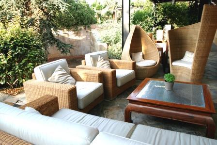www.restaurantum.com_-_Restaurante_Gigantea_y_Hotel_Mas_Passamaner_Tarragona_-_terraza_cerca_de_la_piscina_y_el_spa.JPG