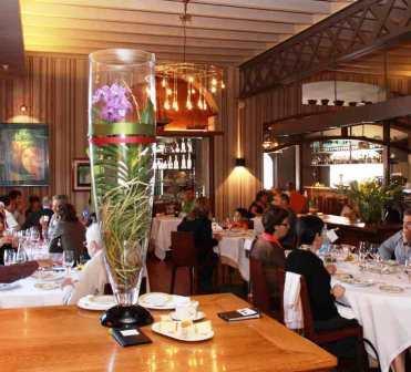 www.restaurantum.com_-_Restaurante_Hispania_-_comedor_1.jpg