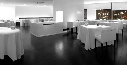 www.restaurantum.com_-_Restaurante_La_Broche_Madrid_-_Comedor.JPG