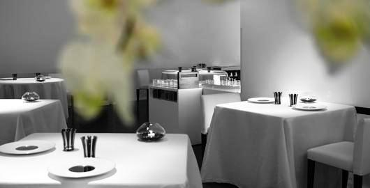 www.restaurantum.com_-_Restaurante_La_Broche_Madrid_-_Comedor_1.JPG