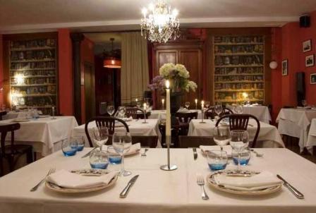 www.restaurantum.com_-_Restaurante_La_Cabaña_de_Alarcón_-_Comedor.JPG