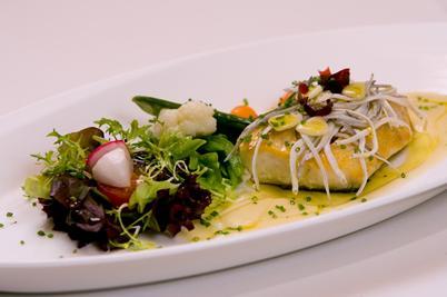 www.restaurantum.com_-_Restaurante_La_Cabaña_de_Alarcón_-_pescados.JPG