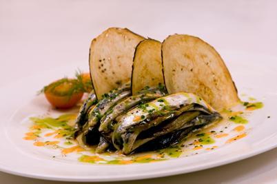 www.restaurantum.com_-_Restaurante_La_Cabaña_de_Alarcón_-_primer_plato.JPG