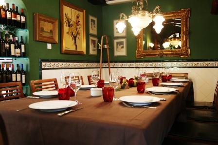 www.restaurantum.com_-_Restaurante_La_Caleta_-_Comedor.JPG