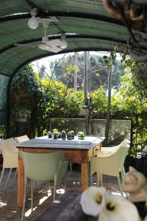 www.restaurantum.com_-_Restaurante_La_Caleta_-_Terraza.JPG
