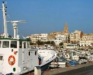 www.restaurantum.com_-_Restaurante_La_Catifa_Palamós_-_Vista_al_puerto_pesquero.jpg