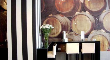 www.restaurantum.com_-_Restaurante_La_Reserva_12_-_Bar_y_Vinoteca.JPG