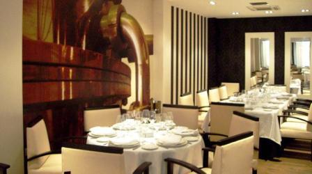 www.restaurantum.com_-_Restaurante_La_Reserva_12_-_Comedor_2.JPG