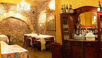 www.restaurantum.com_-_Restaurante_Les_Coques_-_Comedor_elegante_y_rustico_a_la_vez.jpg