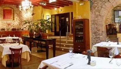 www.restaurantum.com_-_Restaurante_Les_Coques_-_Comedor_principal.jpg