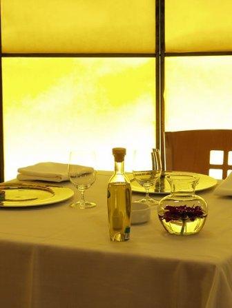 www.restaurantum.com_-_Restaurante_Lillas_Pastia_Huesca_-_Ambiente.jpg