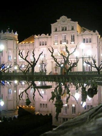 www.restaurantum.com_-_Restaurante_Lillas_Pastia_Huesca_-_La_fachada.jpg