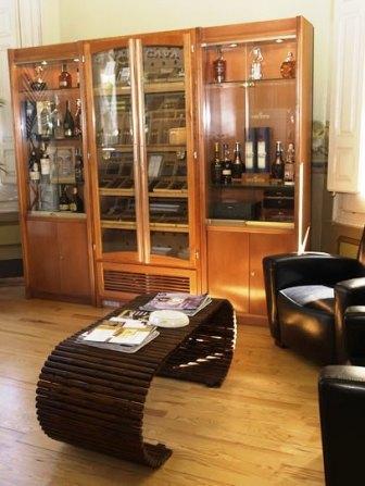 www.restaurantum.com_-_Restaurante_Lillas_Pastia_Huesca_-_La_salon.jpg