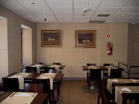 www.restaurantum.com_-_Restaurante_Los_Manueles_-_Comedor.jpg