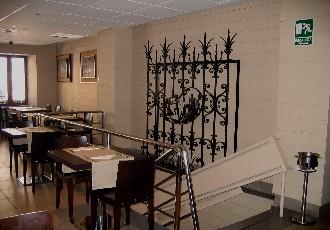 www.restaurantum.com_-_Restaurante_Los_Manueles_-_Comedor1.jpg