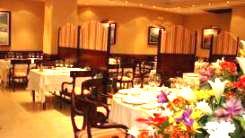 www.restaurantum.com_-_Restaurante_Marea_Grande_Sevilla_-_Comedor.jpg