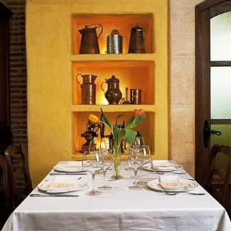 www.restaurantum.com_-_Restaurante_Mesón_el_Pincelín_Albacete_-_Mesas.jpg
