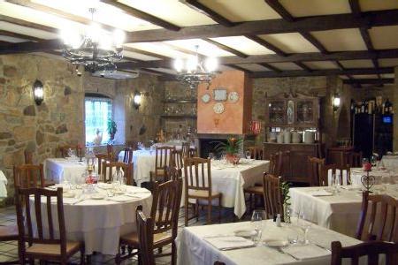 www.restaurantum.com_-_Restaurante_O_fogon_da_ria_-_Comedor.JPG