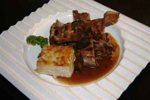 www.restaurantum.com_-_Restaurante_Sant_Martí_-_Segundo_-_Secreto_Ibérico_con_salsa_de_setas.JPG