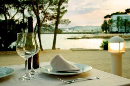www.restaurantum.com_-_Restaurante_Ses_Sevines_-_romantic_terrace.JPG