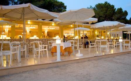 www.restaurantum.com_-_Restaurante_Ses_Sevines_-_terrace.JPG