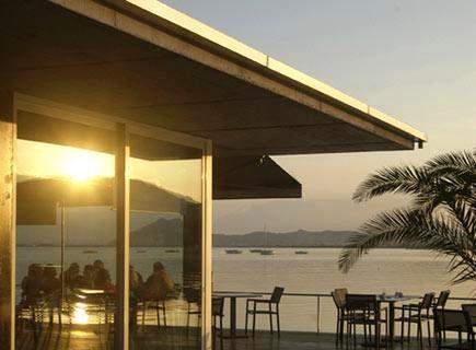 www.restaurantum.com_-_Restaurante_Stay_-_Vistas_al_mar.jpg
