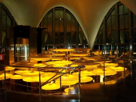 www.restaurantum.com_-_Restaurante_Submarino_Oceanografic_-_Lampara_de_medudas.jpg