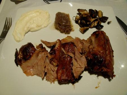 www.restaurantum.com_-_Restaurante_Submarino_Oceanografic_-_jarrete_de_ternera_lechal.jpg