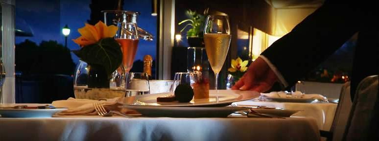www.restaurantum.com_-_Restaurante_Trístan_-_Excelencia_y_Servicio_profesional.JPG