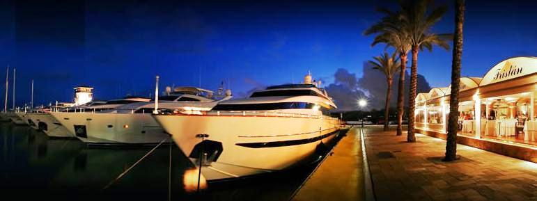 www.restaurantum.com_-_Restaurante_Trístan_-_Un_balcon_con_vistas_al_mediteraneo_-_exterior.JPG