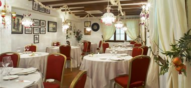 www.restaurantum.com_-_Restaurante_Venta_de_Sotón_-_Salon.jpg