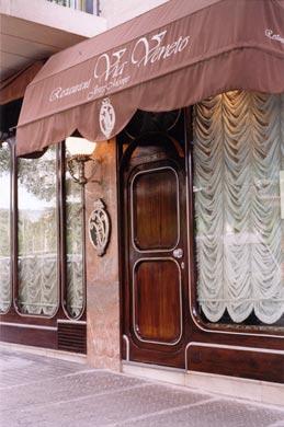 www.restaurantum.com_-_Restaurante_Via_Veneto_Barcelona_-_Entrada.jpg