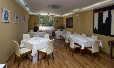 www.restaurantum.com_-_Restaurante_Victor_Gutierrez_-_Comedor_principal.jpg