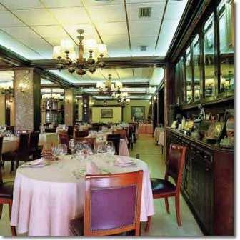 www.restaurantum.com_-_Restaurante_Virrey_Palafox_-_Comedor.jpg