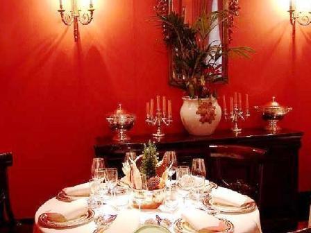 www.restaurantum.com_-_Restaurante_Zalacaín_-_Mesa.jpg