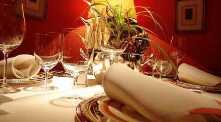 www.restaurantum.com_-_Restaurante_Zalacaín_-_Mesa_decoración.jpg