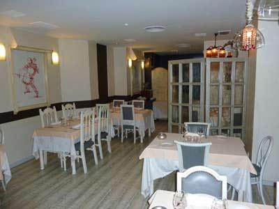 www.restaurantum.com_-_Restaurantum_Sobremesa_-_comedor_1.jpg