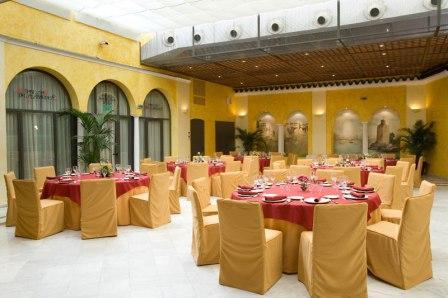 www.restaurantum.com_-_Taberna_del_Alabardero_-_Comedor.jpg