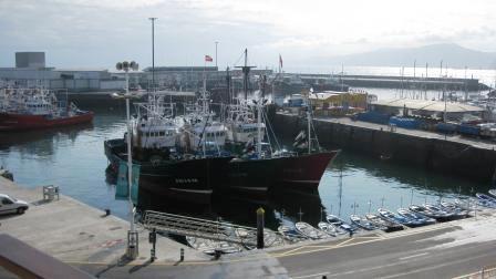 www.restaurantum.com_-_Vistas_del_puerto_pesquero.JPG