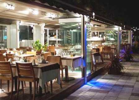 www.restaurantum.com_-_restaurant_can-laury-peix_sitges_-_vista_desde_el_paseo.jpg