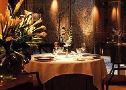 www.restaurantum.com_-_restaurante_-_santceloni_-_ambiente_interior_1.jpg