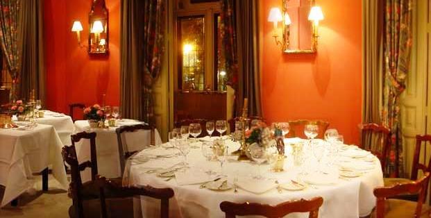 www.restaurantum.com_-_restaurante_Horcher_-_comedor.JPG