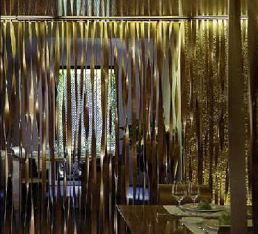 www.restaurantum.com_-_restaurante_Les_Cols_-_una_mesa_del_comedor.JPG