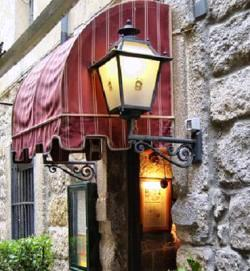 www.restaurantum.com_-_restaurante_charoles_-_entrada.jpg