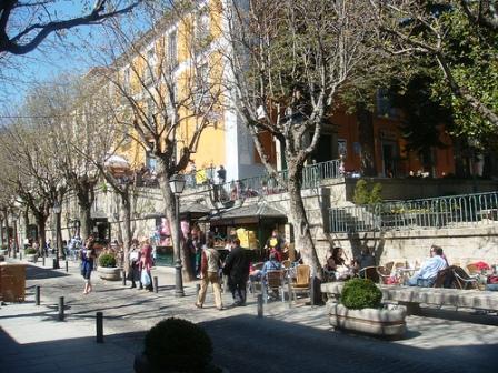 www.restaurantum.com_-_restaurante_charoles_-_terraza_en_otoño.jpg